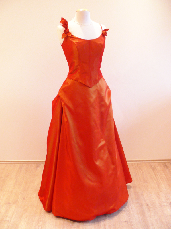 Brautkleid Denise orange rot voluminös